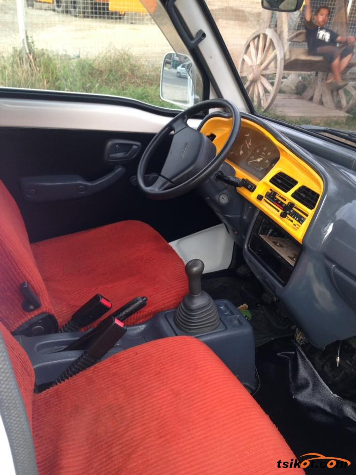 Suzuki Multi-Cab 2015 - 3