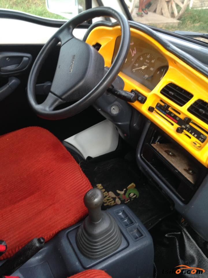 Suzuki Multi-Cab 2015 - 7