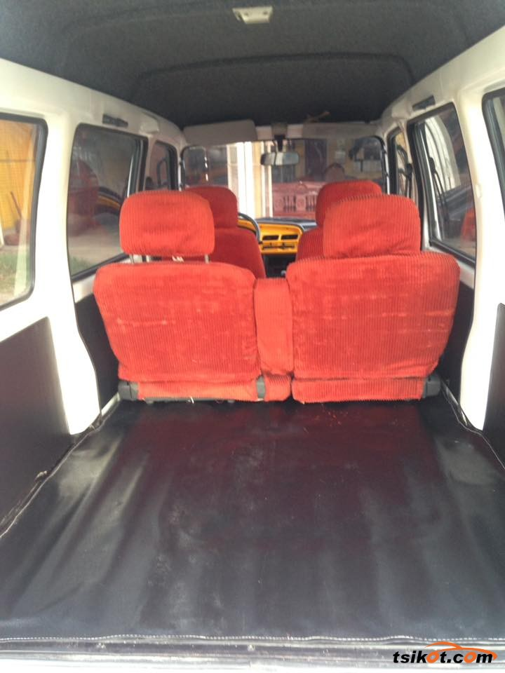 Suzuki Multi-Cab 2015 - 9