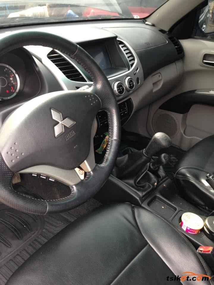 Mitsubishi Strada 2012 - 8