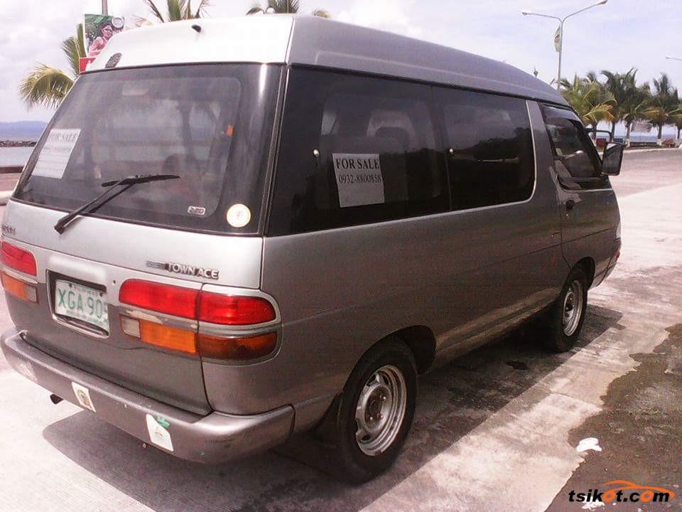 Toyota Aa 1999 - 2