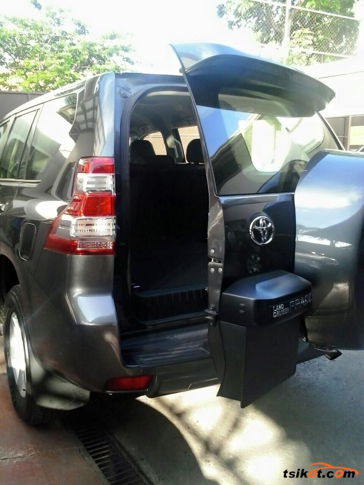 Toyota Land Cruiser 2014 - 8