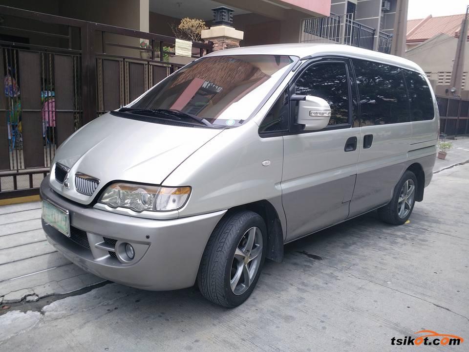 Mitsubishi Spacegear 2006 - 1
