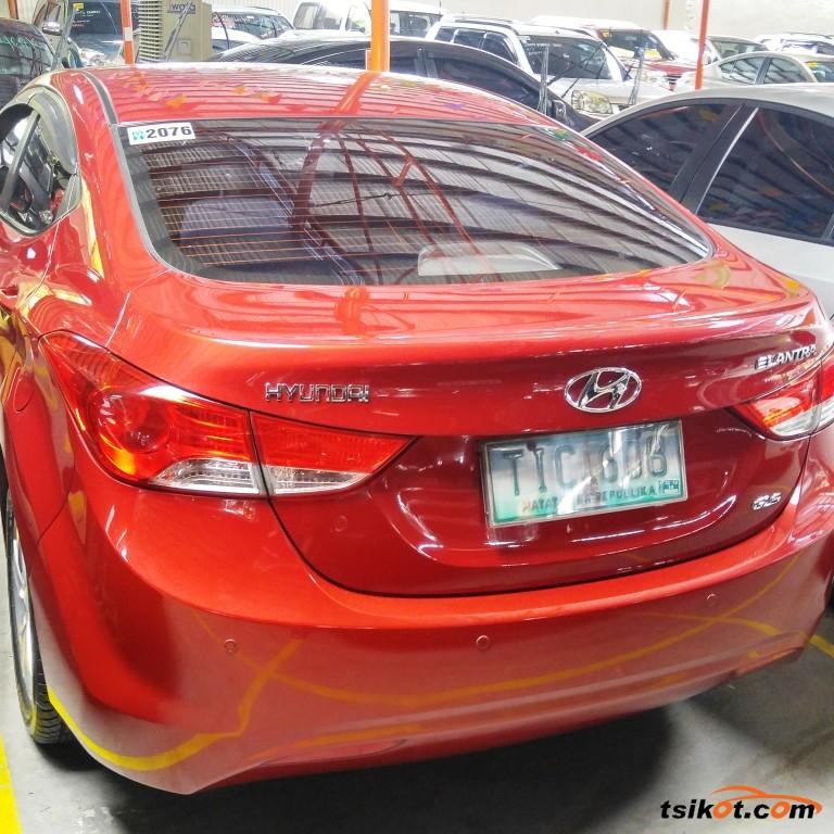 Hyundai Elantra 2012 - 2