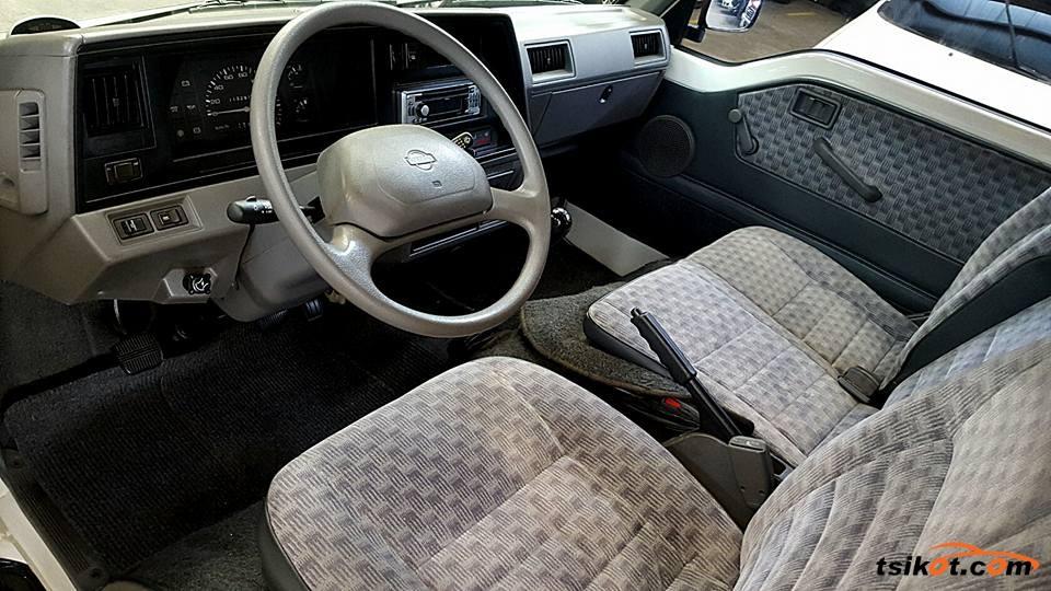 Nissan Urvan 2007 - 4