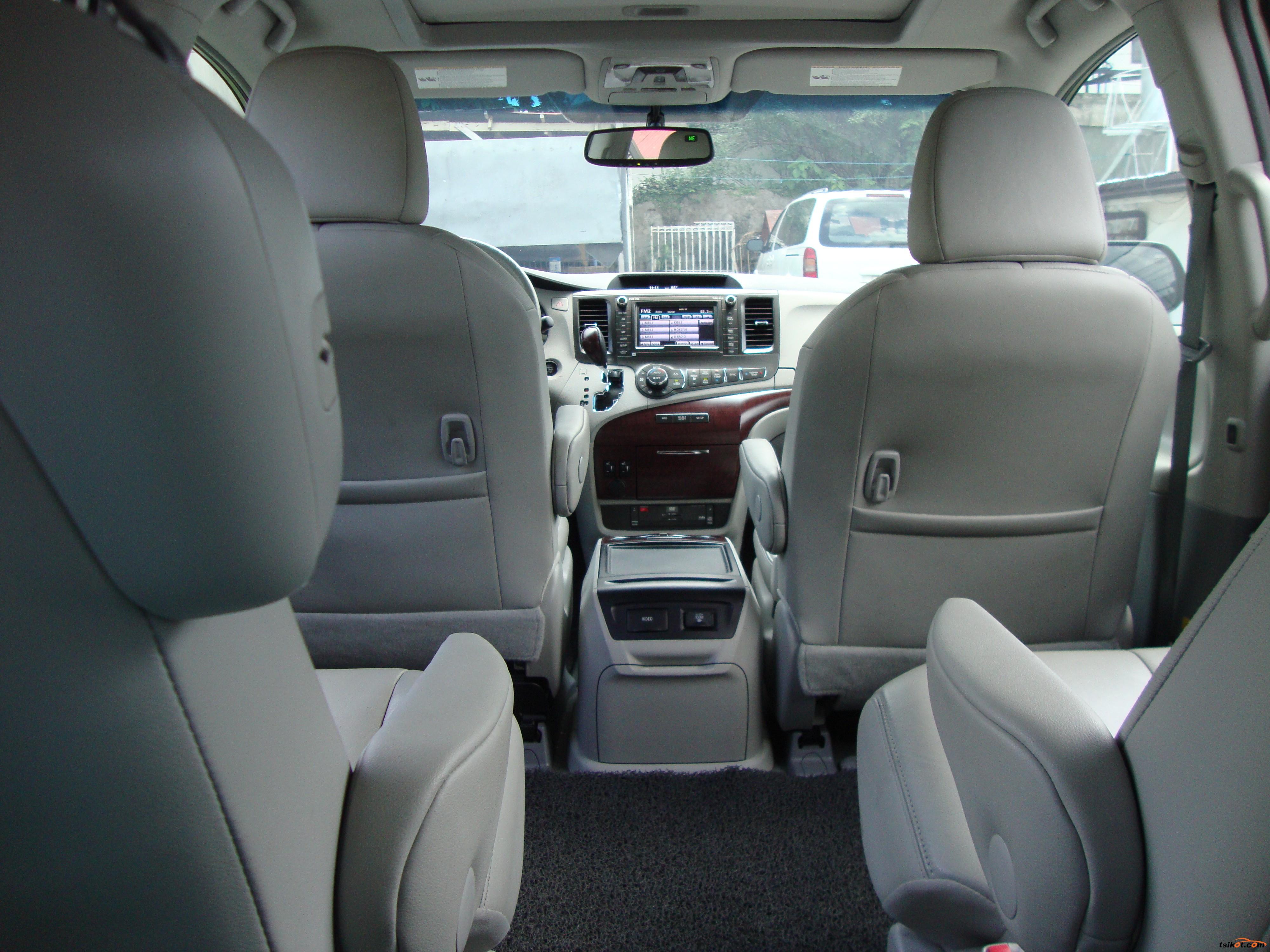 Toyota Sienna 2013 - 4