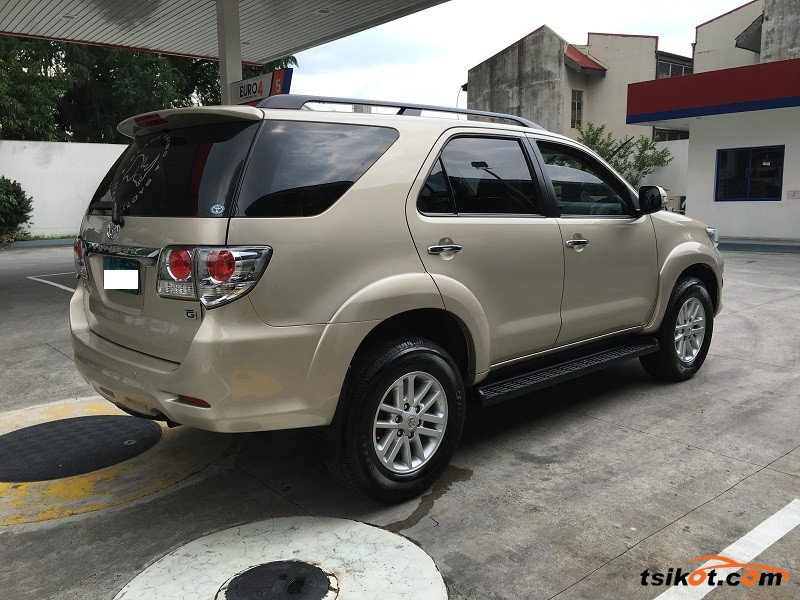 Toyota Fortuner 2013 Car For Sale Metro Manila