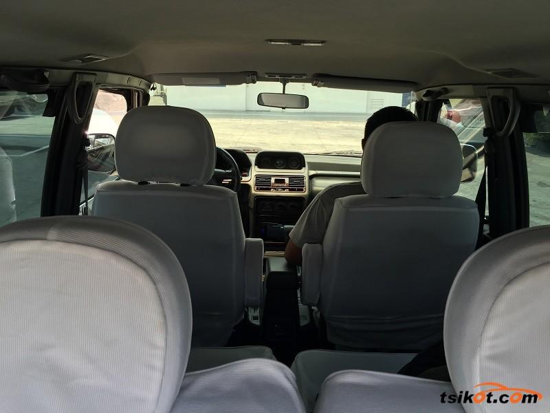 Mitsubishi Pajero 2003 - 8