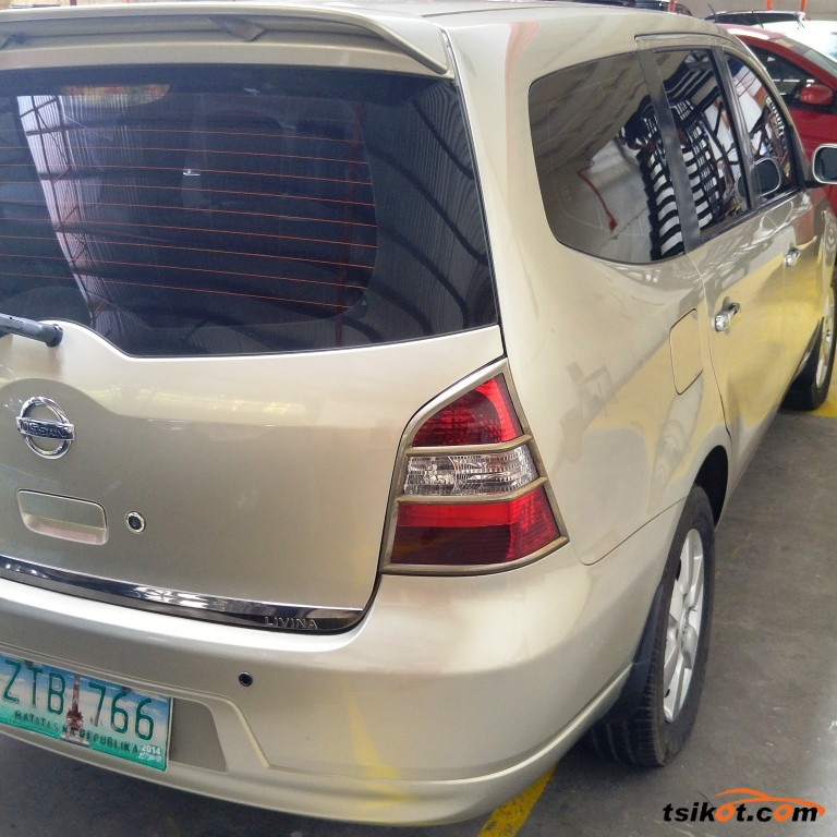Nissan Livina 2009 - 2
