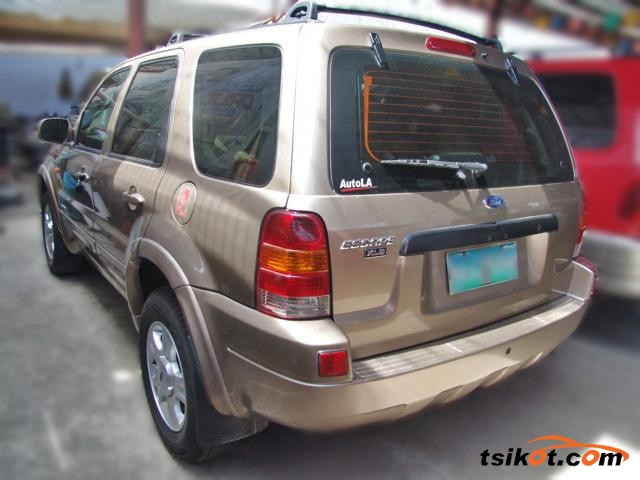 Ford Escape 2004 - 2