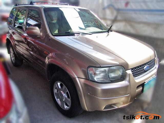 Ford Escape 2004 - 1