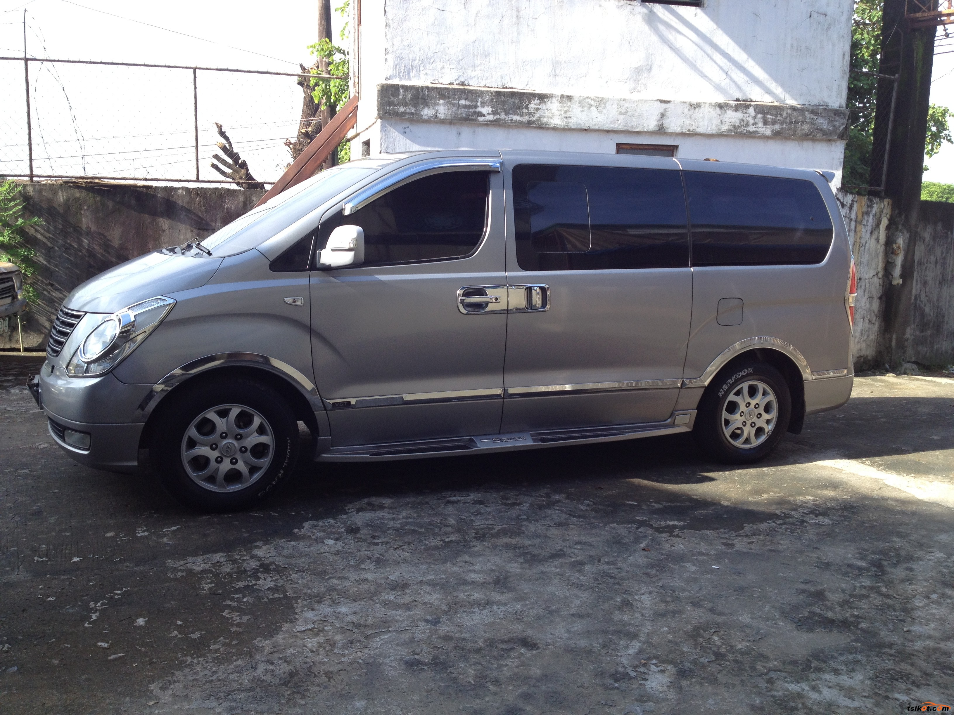 Hyundai Grand 2011 - 2