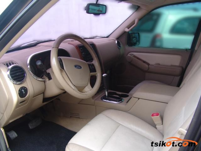 Ford Explorer 2008 - 4