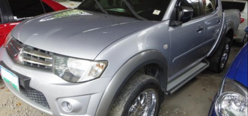 Mitsubishi Strada 2010 - 8