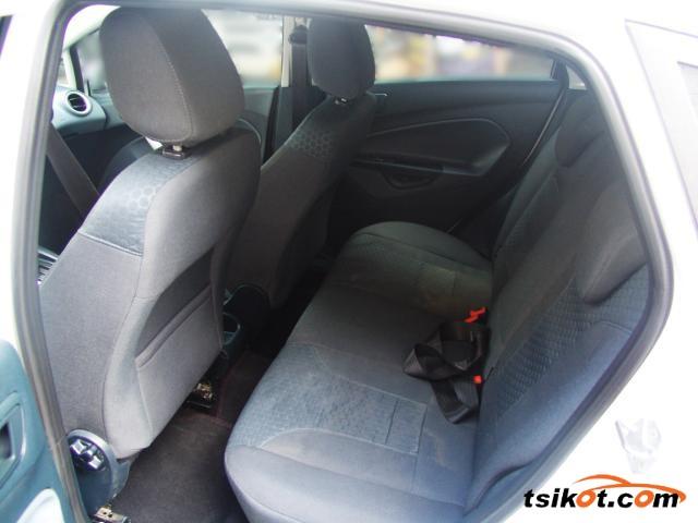 Ford Fiesta 2011 - 5
