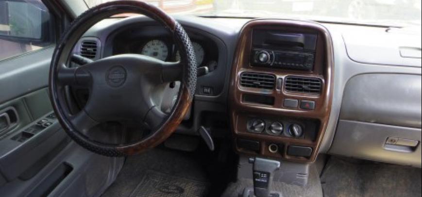 Nissan Frontier 2004 - 10