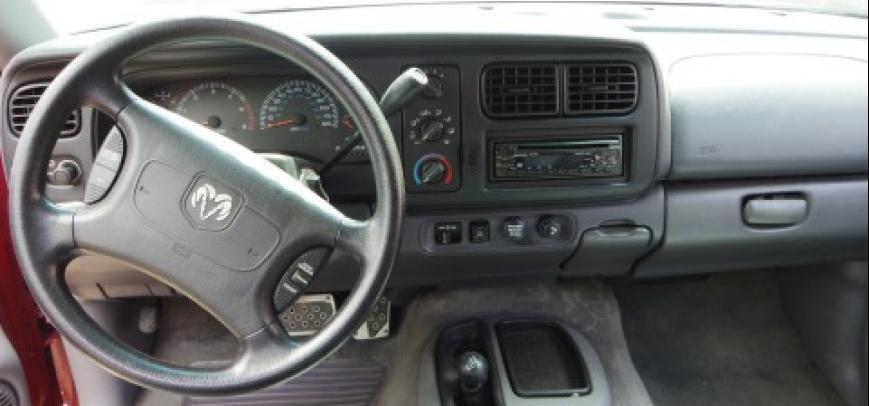 Dodge 600 2006 - 5
