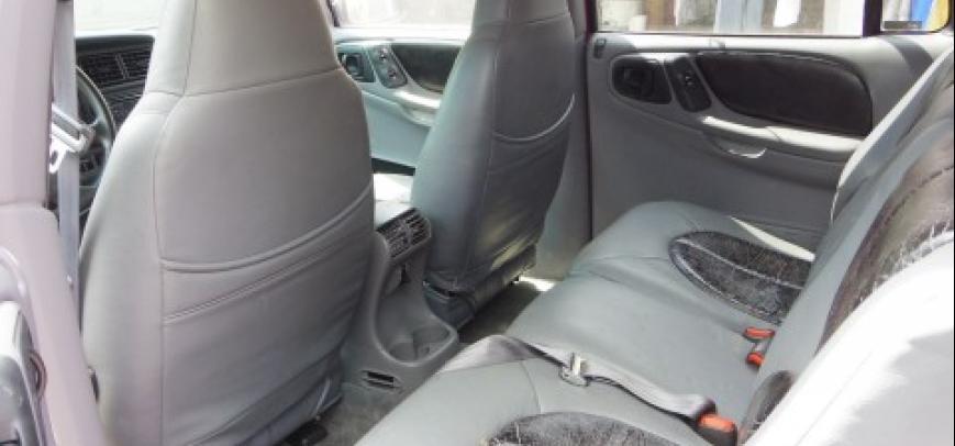 Dodge 600 2006 - 9