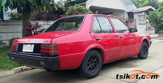 Mitsubishi Lancer 1982 - 4