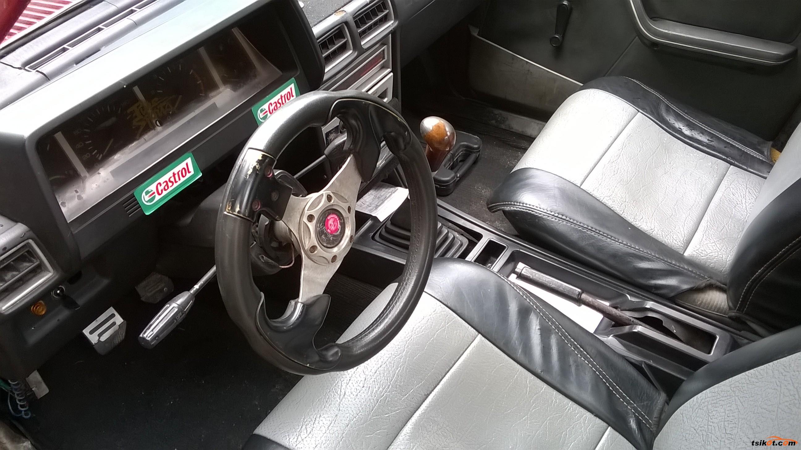 Mitsubishi Lancer 1982 - 8