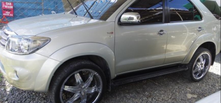 Toyota Fortuner 2008 - 8