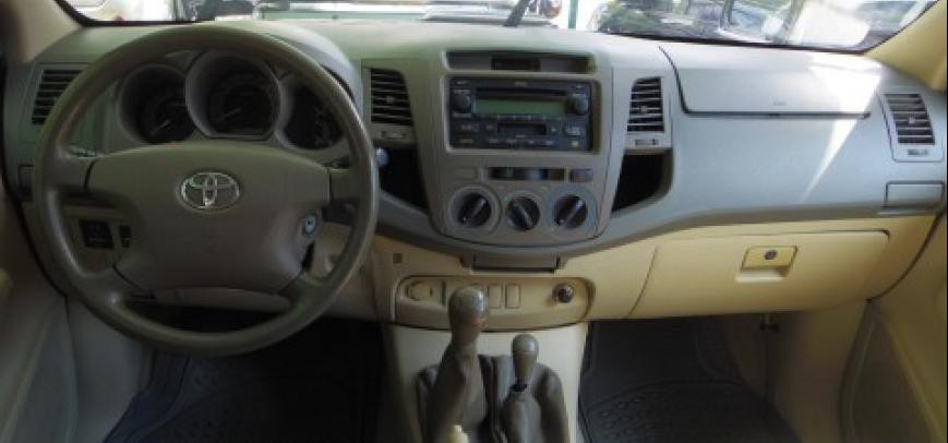 Toyota Hilux 2006 - 11