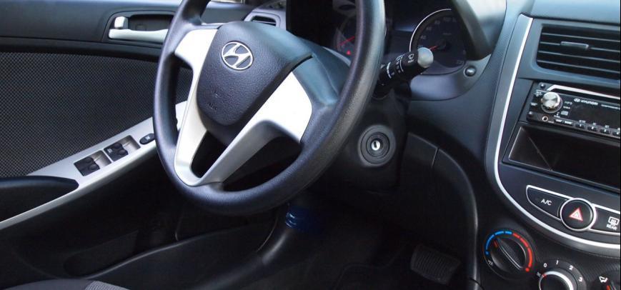 Hyundai Accent 2013 - 12