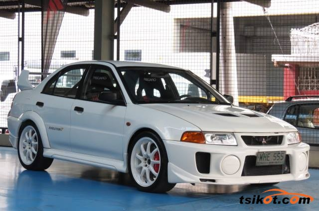 Mitsubishi Lancer Evolution 1998 - 2