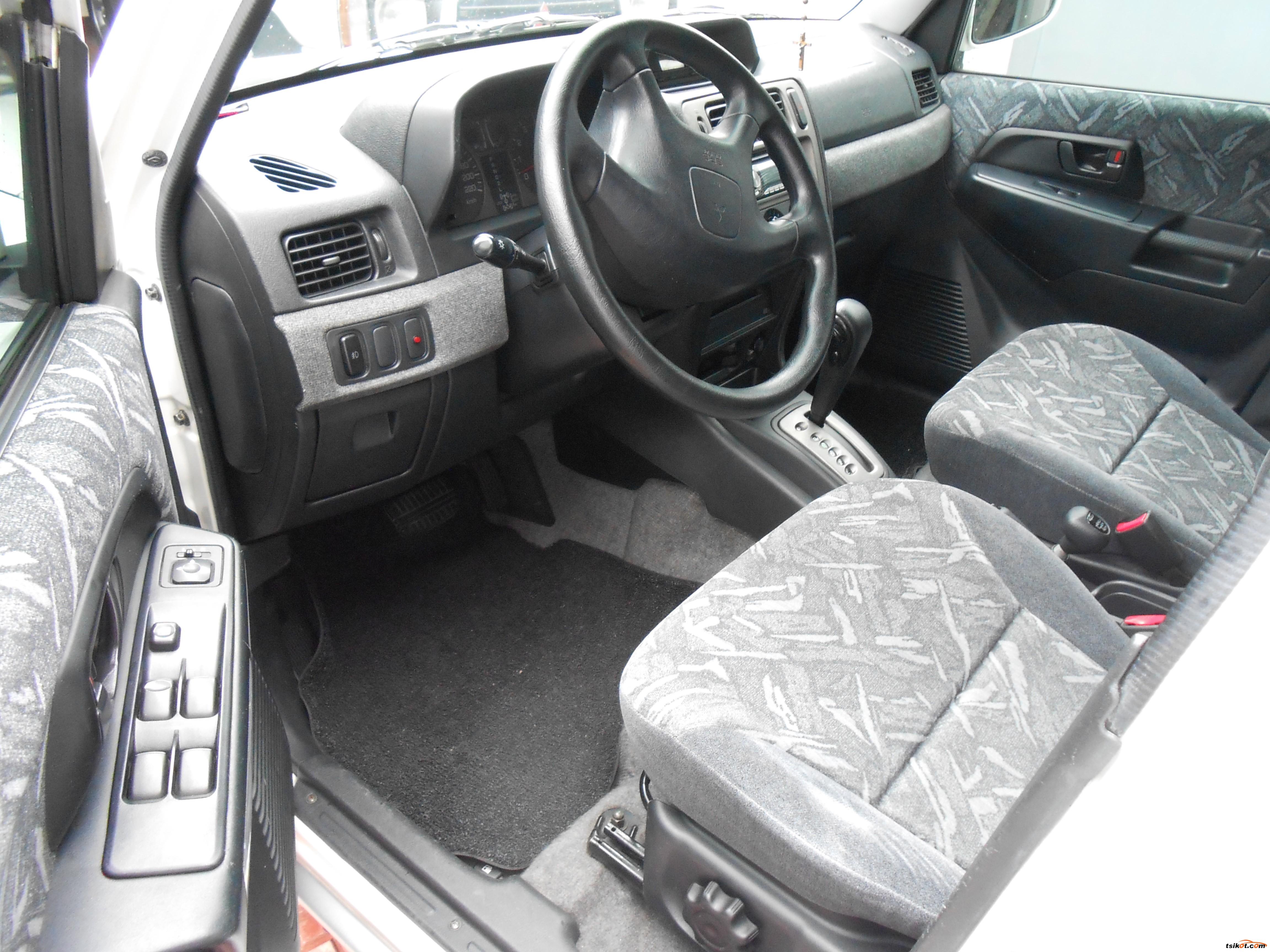 Mitsubishi Pajero 2001 - 6