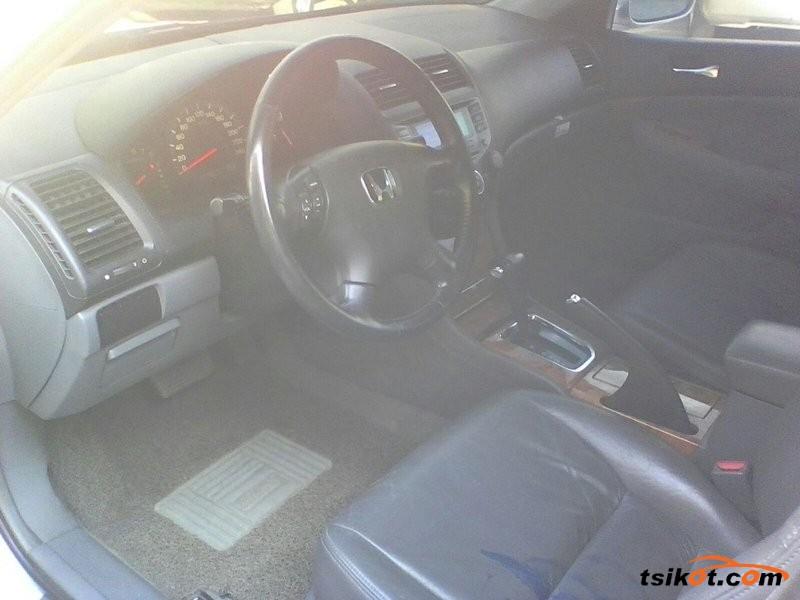 Honda Accord 2004 - 3