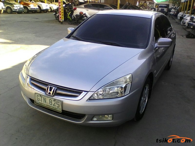 Honda Accord 2004 - 4