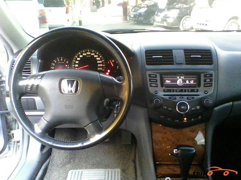 Honda Accord 2004 - 7