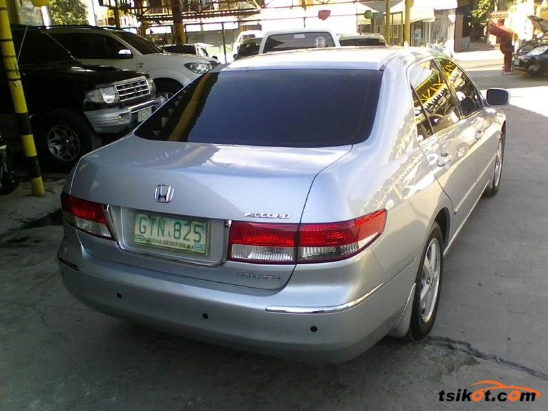 Honda Accord 2004 - 8