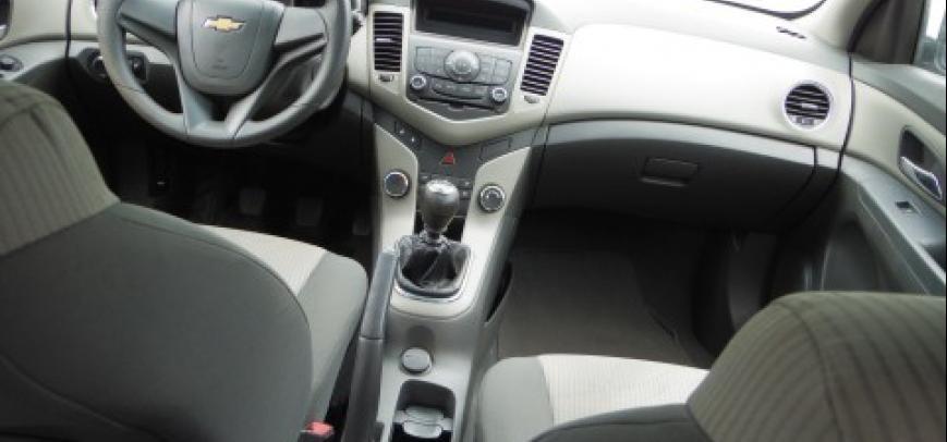 Chevrolet Cruze 2009 - 10