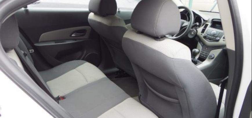 Chevrolet Cruze 2009 - 11