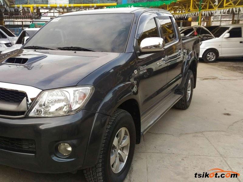 Toyota Hilux 2010 - 1