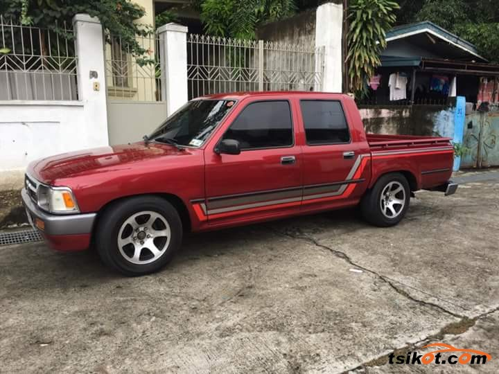 Toyota Hilux 1995 - 2