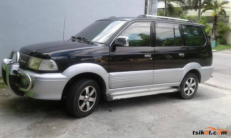 Toyota Sport 800 2001 - 1