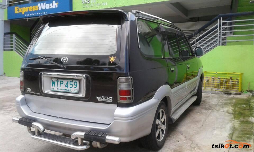 Toyota Sport 800 2001 - 3