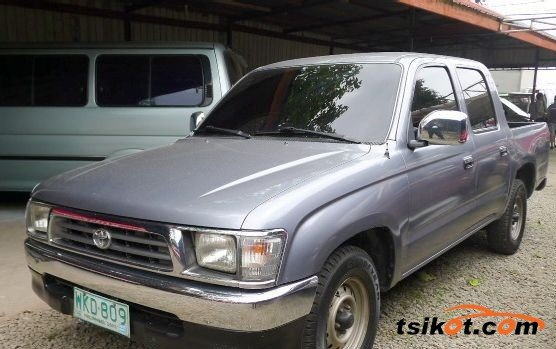 Toyota Hilux 1999 - 1