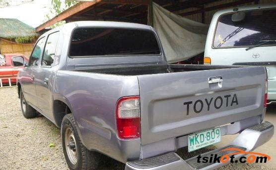 Toyota Hilux 1999 - 2