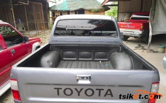 Toyota Hilux 1999 - 5