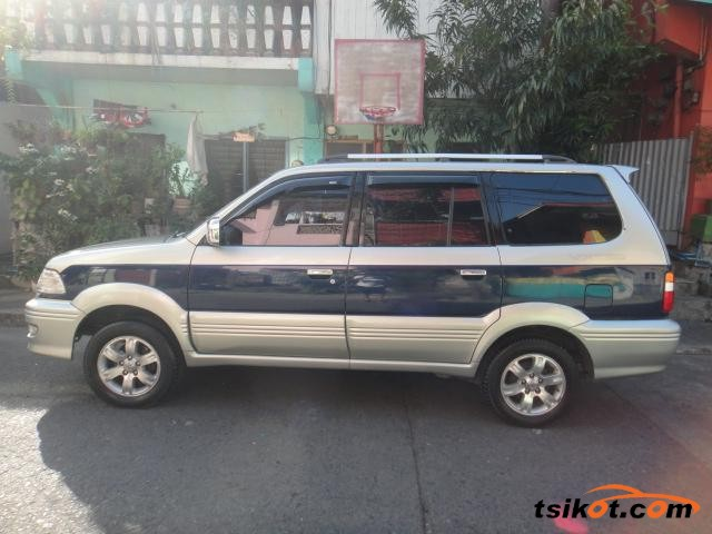 Toyota 1000 2003 - 1