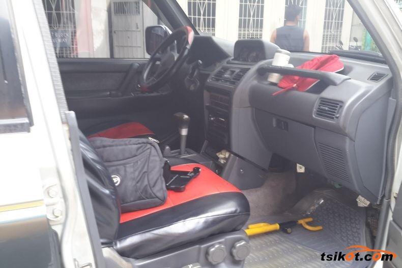 Mitsubishi Pajero 1993 - 3