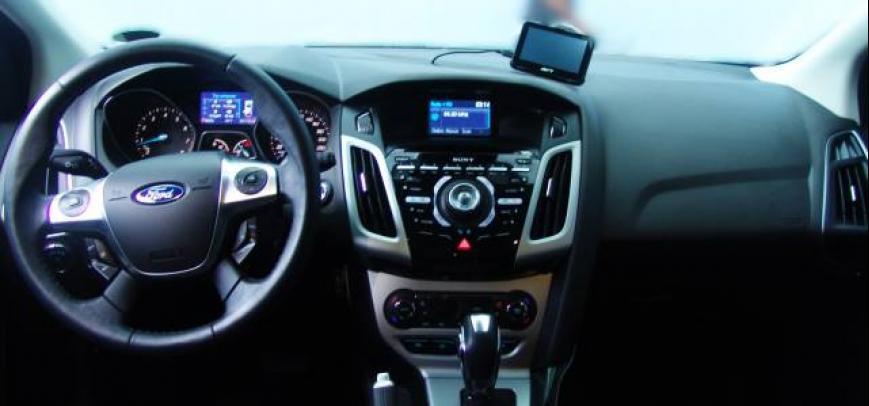 Ford Focus 2013 - 12