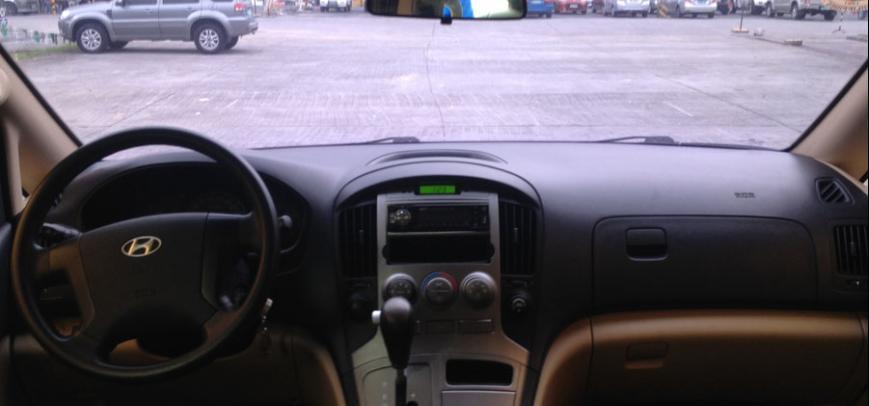 Hyundai Starex 2011 - 19