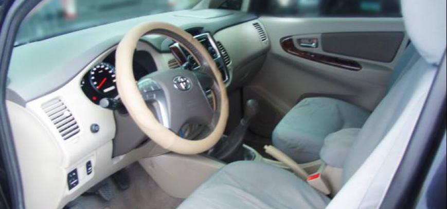 Toyota Innova 2012 - 7
