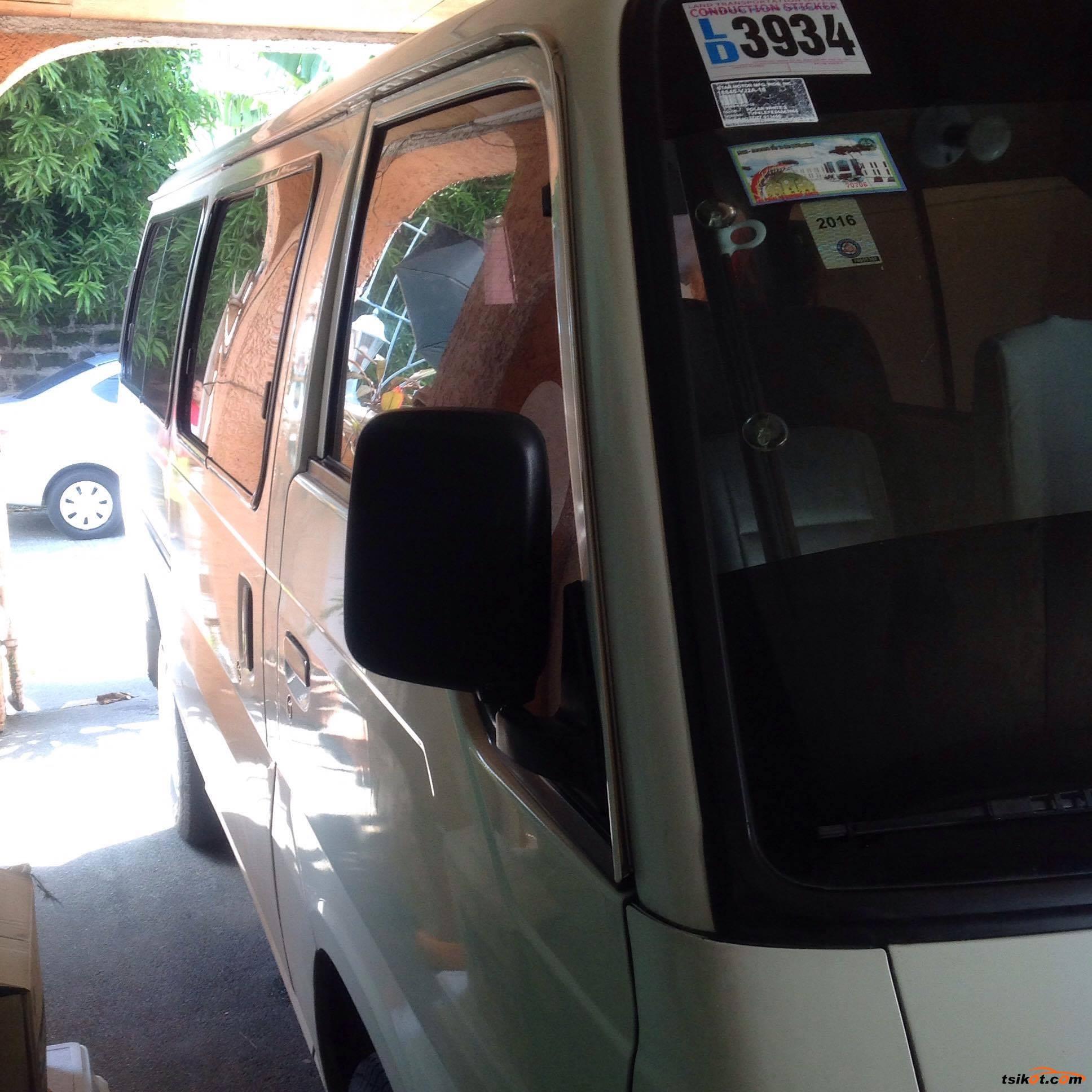 Nissan Urvan 2011 - 3