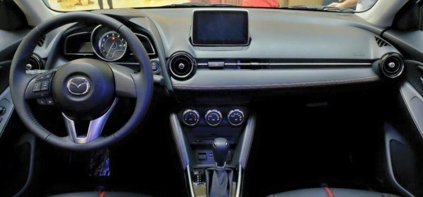 Mazda 2 2015 - 8
