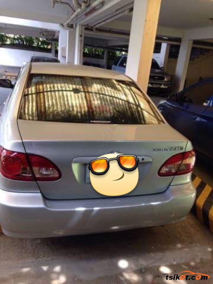 Toyota Corolla - 4
